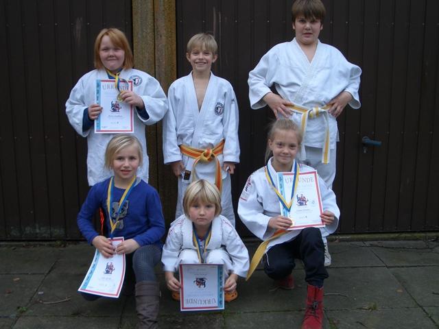 Gruppenfoto der erfolgreichen Starter beim Nikolaus-Turnier in Tarp